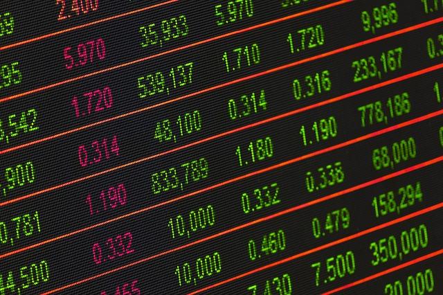 hodnoty měn na tabuli