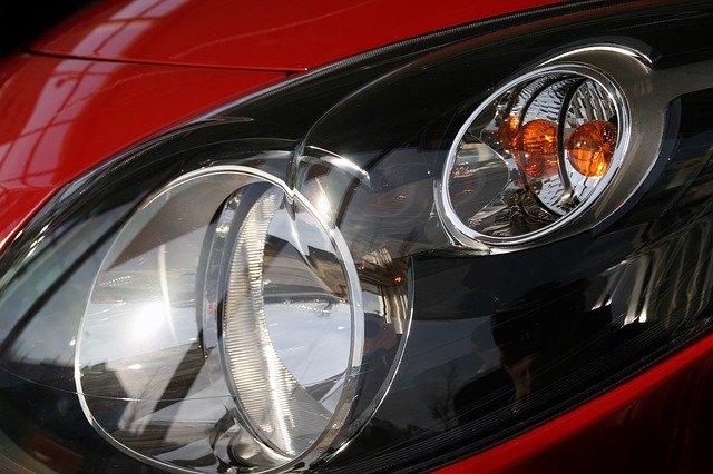 světlomet auta.jpg