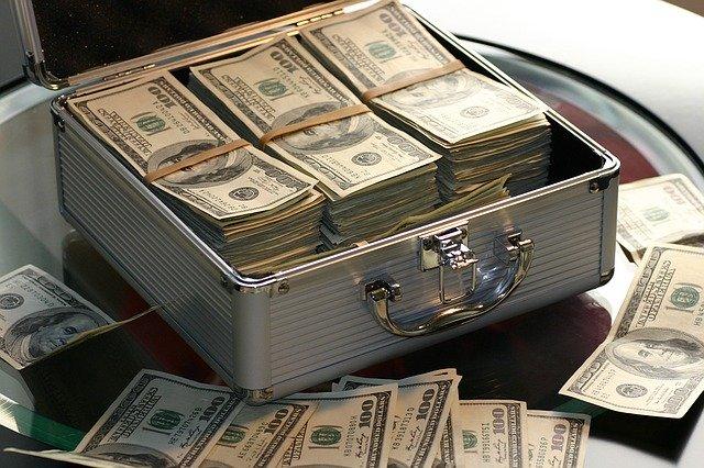 kufr peníze