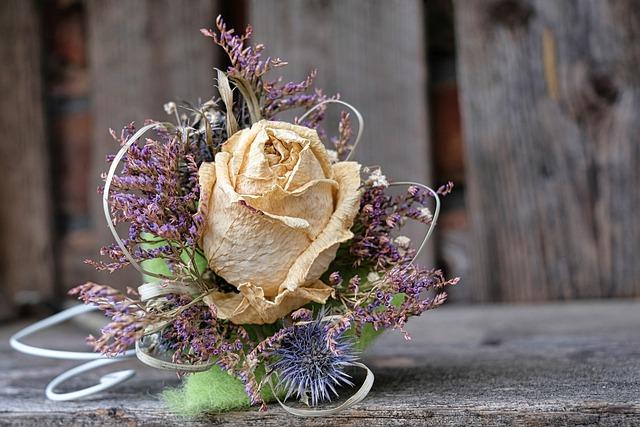sušená růže – dekorace
